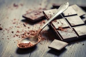 amos_14_150_darkchocolate-940x626