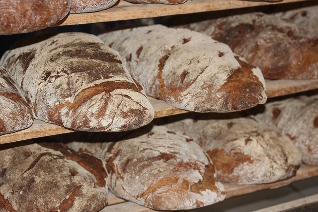 loaf-of-bread-388650_960_720