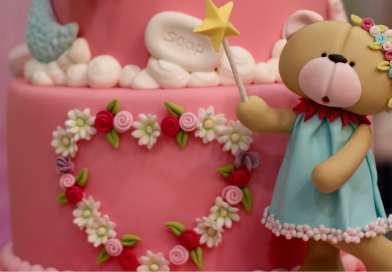 Sugarcrafting – sztuka dekoracji tortów.